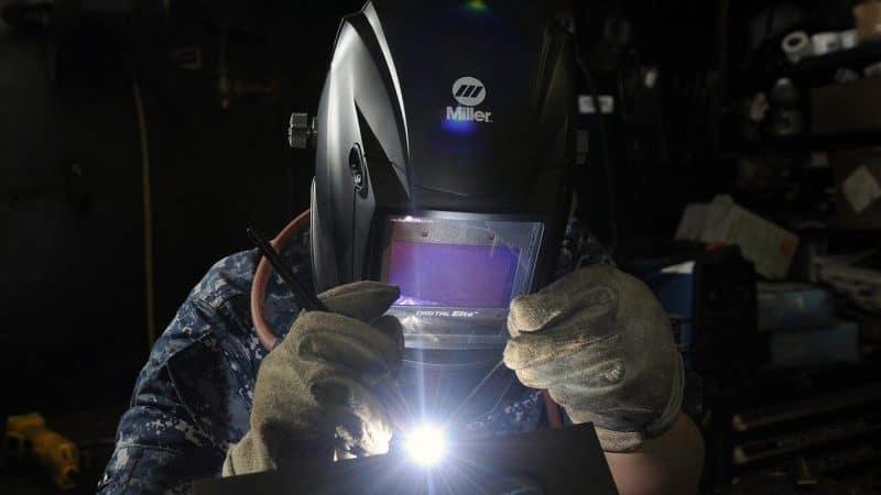 Solar Power Auto Darkening Welding Lens Filter Helmet Cap Eyes UV IR Protection